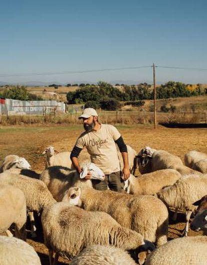 Eduardo Terrer, responsible for the animal sanctuary in Madrid, Wings of Heart.