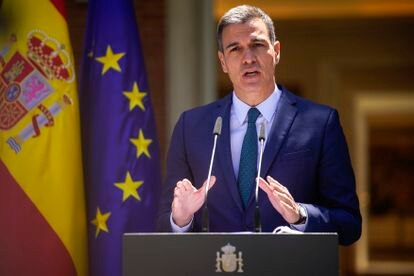 Spanish Prime Minister Pedro Sánchez speaks to the press on Tuesday.