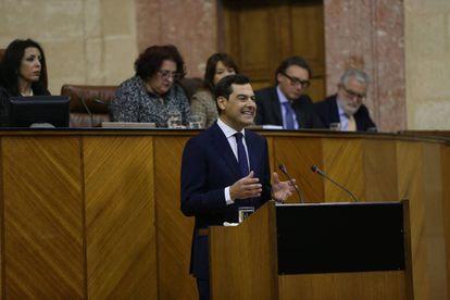 Juan Manuel Moreno addresses the Andalusian parliament.