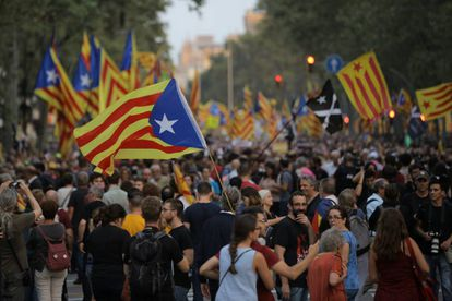 A protest to commemorate the anniversary of the October 1, 2017 referendum in the Paseo de Gràcia, Barcelona on Tuesday evening.