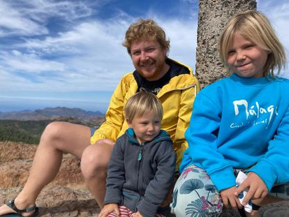 Czech engineer Tomas Rehor and his two children in Gran Canaria