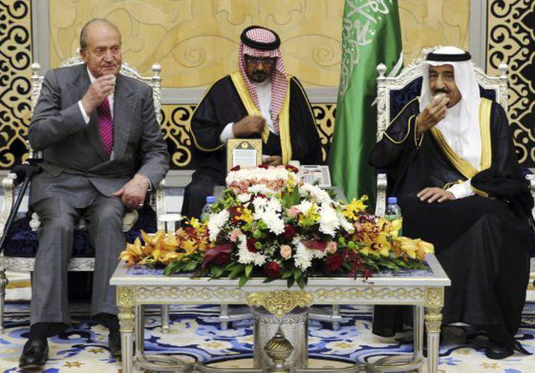 Spain's King Juan Carlos (left) with Crown Prince Salman bin Abdulaziz Al Saud of Saudi Arabia (far right).