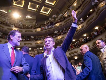 Mariano Rajoy and Núñez Feijóo at a party rally in Galicia.