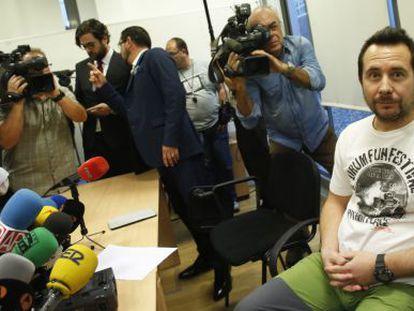 Teresa Romero's husband, Javier Limón, moments before his press conference.
