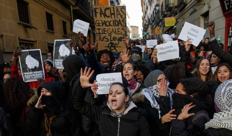 Protests on Friday in Lavapiés over the death of the Senegalese man.