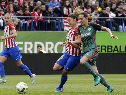A match between Atlético de Madrid and Athletic Bilbao women's teams.