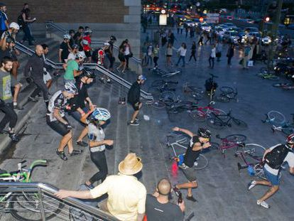 Cyclists run to their bikes to begin an alleycat race in 2012.