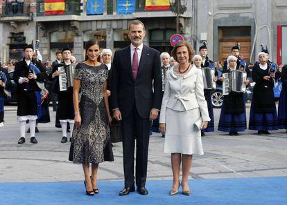 Queen Letizia, King Felipe and Queen Sofía at the recent Princess of Asturias Awards.