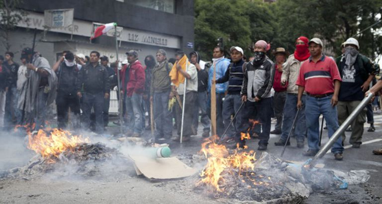 Teachers striking in Mexico City in 2013.