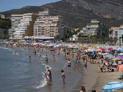 More than 13% of Spaniards work in tourism.