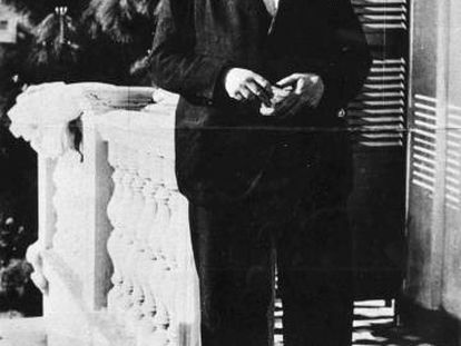 Antonio Machado on the terrace of his home in Rocafort.