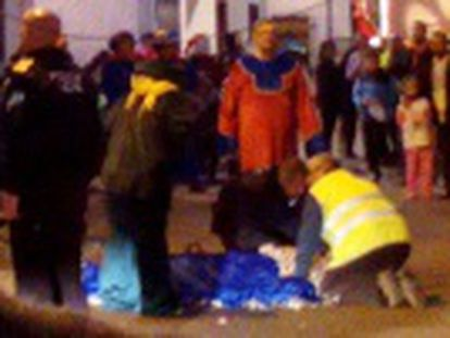 The 20-year-old, who was dressed as Balthasar, tumbled four meters after his float collided with an overhanging cable in town of Níjar