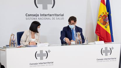 Territorial Policy Minister Carolina Darias and Health Minister Salvador Illa at a meeting of the Inter-Territorial Council of the National Health System on Wednesday.