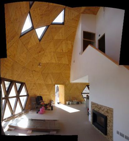 The interior of the dome home in Yecla, Murcia.