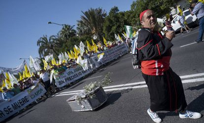A grower protesting the price of olive oil in Seville.