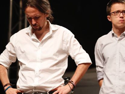 Pablo Iglesias (left) and Iñigo Errejón.