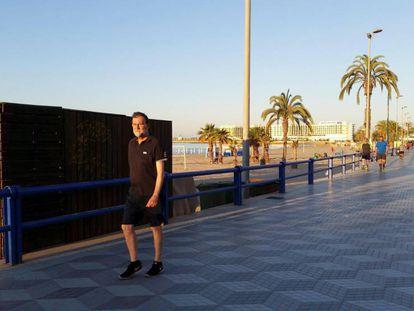 Former PM Mariano Rajoy on the Alicante beachfront promenade.