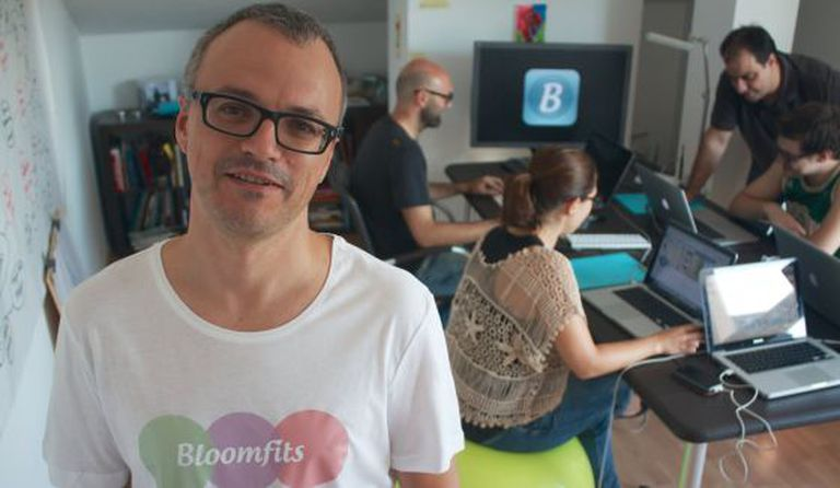 Santi Costa and the Bloomfits team.