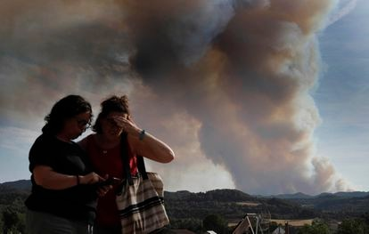 A plume of smoke visible on Saturday that was caused by the Santa Coloma de Queralt fire.