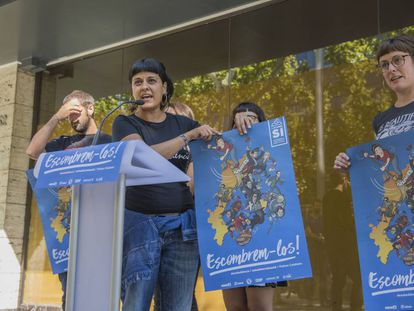 CUP regional deputy Anna Gabriel announces her party's campaign for the independence referendum on October 1.