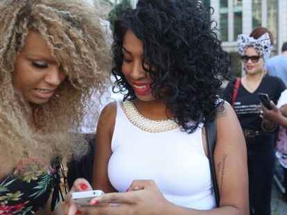 """Participants in the """"Curly Hair Pride March,"""" which was held in July in São Paulo."""