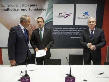 Antonio Miguel Méndez Pozo (right) with business leaders in Burgos.