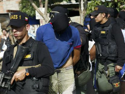 Colombians are deported from Venezuela