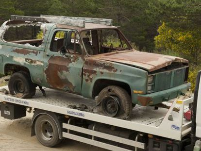 The body was found next to Martín Verfondern's partly burnt car.
