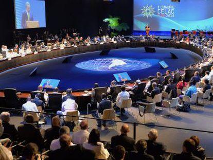 Cuban President Raúl Castro inaugurates the CELAC summit.