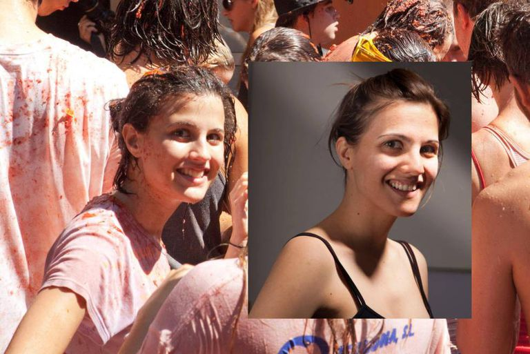 On the left, the girl from Tomatina. On the right, a photo of Eva Casado.