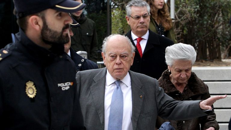 Jordi Pujol and Marta Ferrusola after making a statement in Spain's High Court in February 2016.