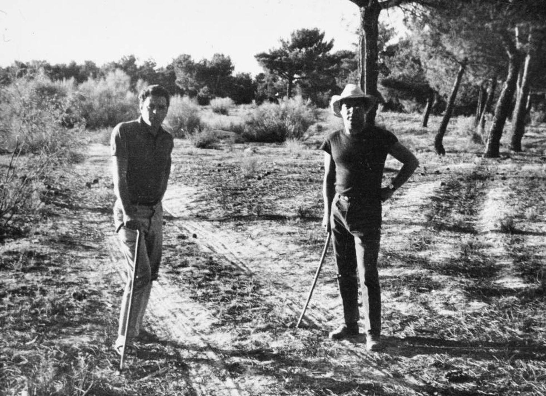 Juan Marsé and Jaime Gil de Biedma in Nava de la Asunción in the summer of 1964.