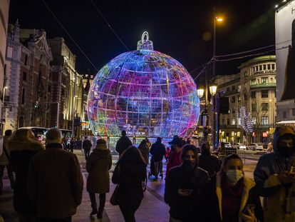 Christmas lights in the center of Madrid, where the incidence rate has risen significantly.