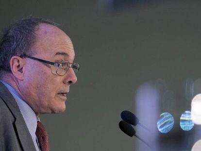 Bank of Spain governor Luis María Linde.