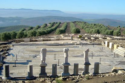 An image of the forum at the Torreparedones archaeological site.