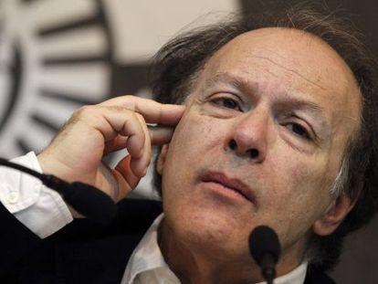 Javier Marías has turned down the National Literature Prize.