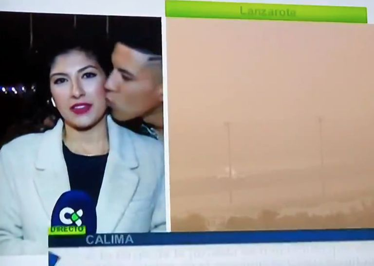 Journalist Raquel Guillán was kissed by a stranger while reporting live from the Canary Islands.