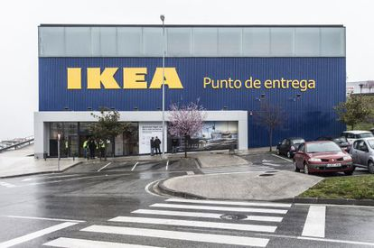 The new Ikea pick-up point in Pamplona.