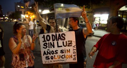 Demonstrators take to the streets in Buenos Aires to protest against the government's handling of the blackouts.