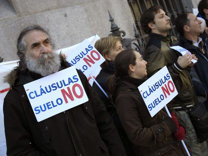 Members of an anti-floor clauses protest group.
