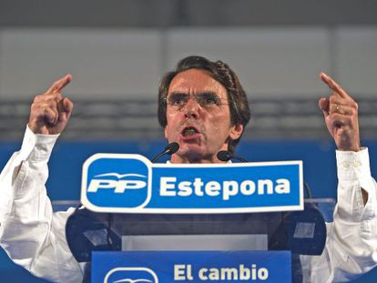 Former Prime Minister José María Aznar at a Popular Party meeting.