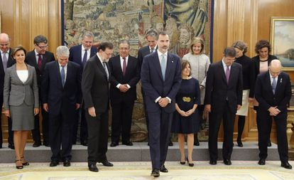 King Felipe VI and the members of the new Cabinet.