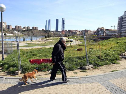 Dog owners who let their animal foul public places now face fines or community service.