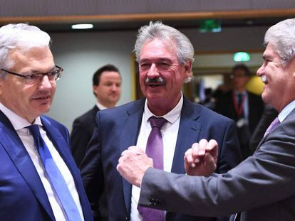 EU Foreign Ministers in Brussels: Didier Reynders from Belgium, Jean Asselborn from Luxembourg, and Alfonso Dastis from Spain.