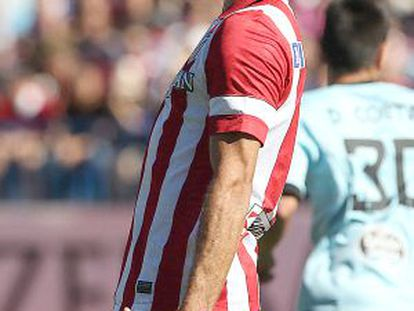 Diego Costa yells after missing a penalty against Celta.