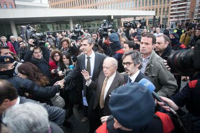 Former Catalan premier Jordi Pujol and his wife, Marta Ferrusola, arrive to testify Tuesday before a Barcelona judge.