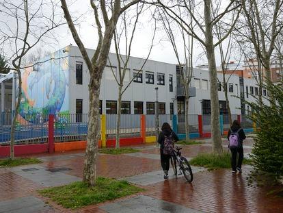 Odon de Apraiz school, in Apraizó (Álava), which was closed on Monday due to the coronavirus pandemic.