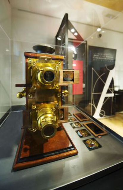 The magic lantern, invented in 1654, was a popular precursor to the cinema.