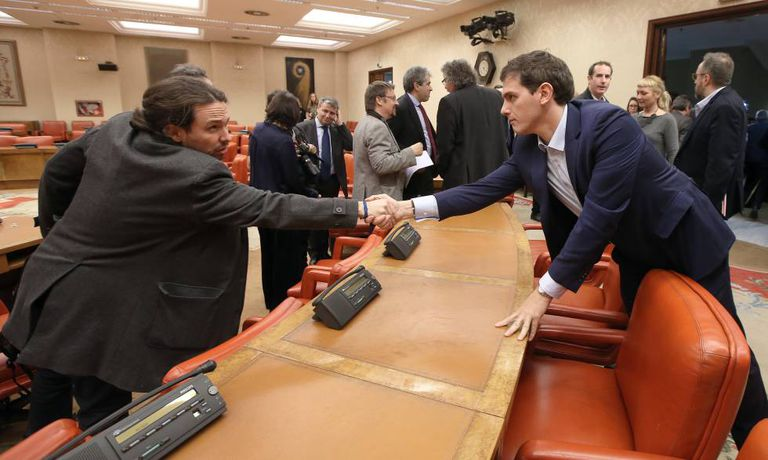 Podemos leader Pablo Iglesias and Cuidadanos leader Albert Rivera in Congress.