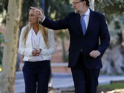 Mariano Rajoy with Lilian Tintori, wife of jailed Venezuelan opposition leader Leopoldo López, in September in Madrid.